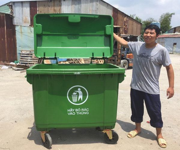 Xe thu gom rác nhựa 660l